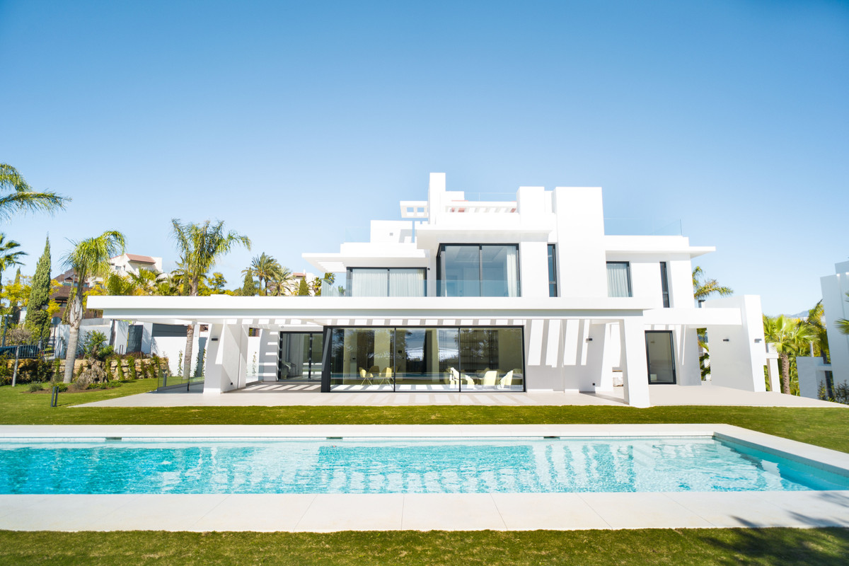 Marbella Banus Villa en Venta en Los Flamingos – R3799942