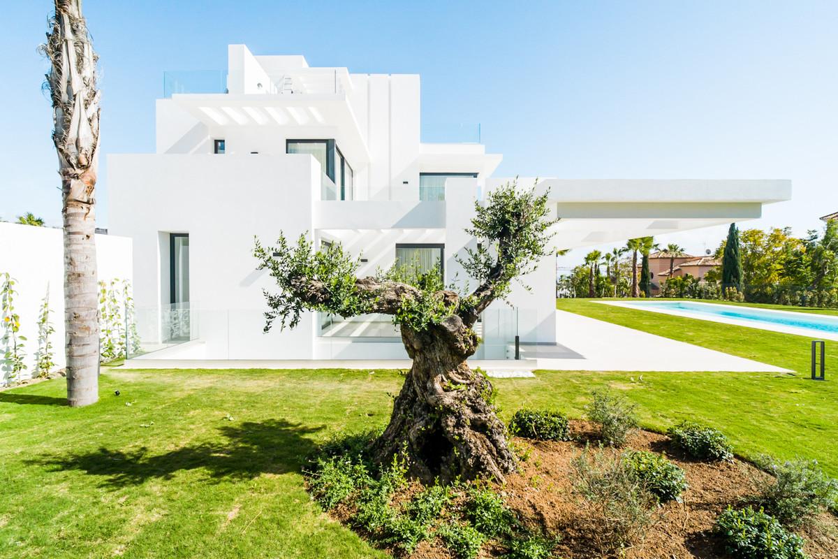 Villa à vendre à Los Flamingos - R3799942