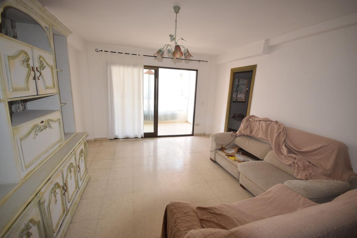 Marbella Banus Apartamento en Venta en Marbella – R3890650