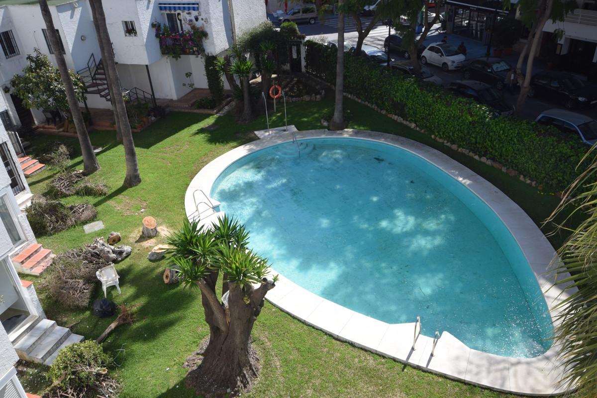 Marbella Banus Apartamento en Venta en Marbella – R3827602