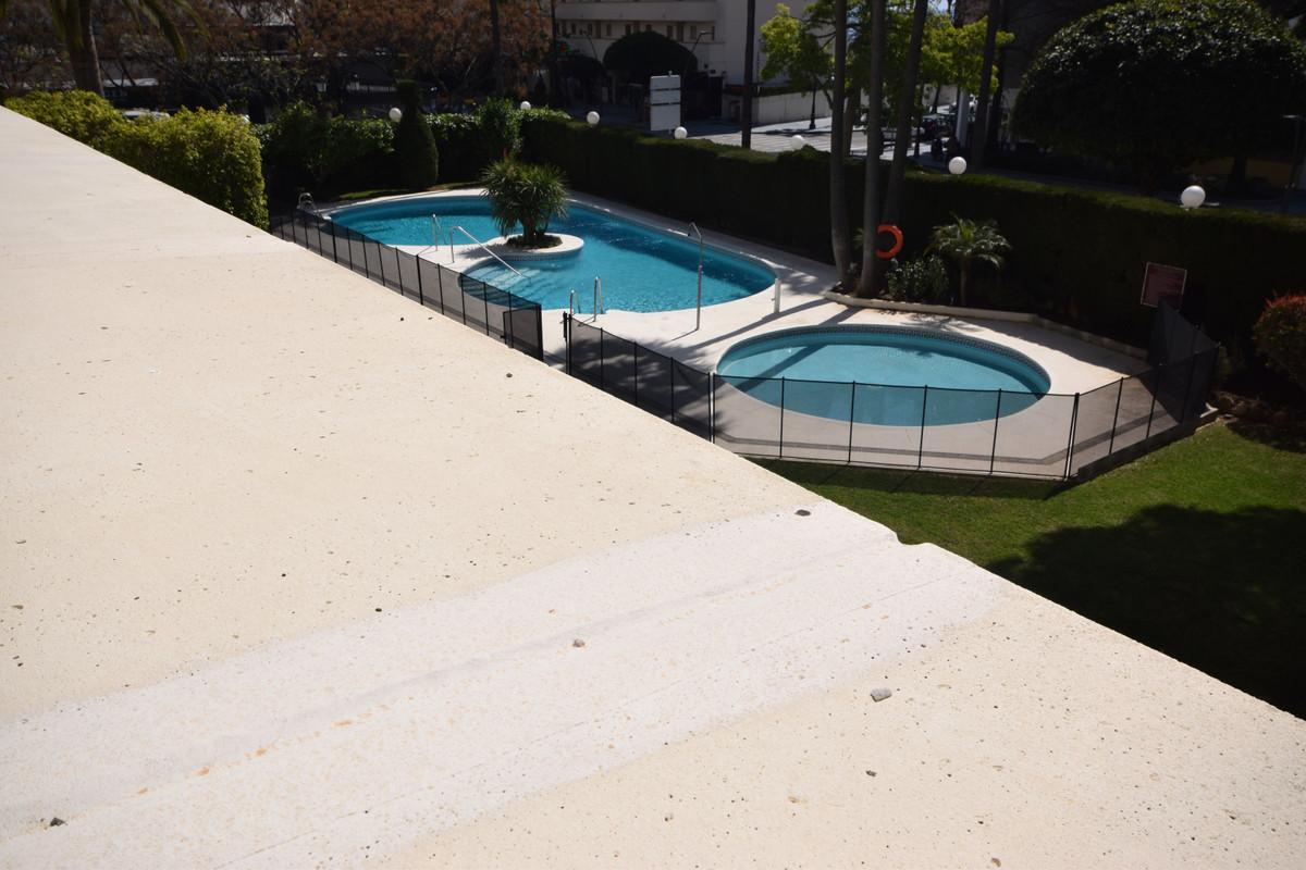 Marbella Banus Apartamento en Venta en Marbella – R3835288