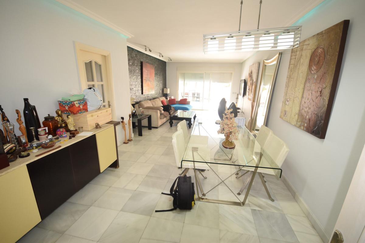 Apartamento en Venta en Marbella – R3835288