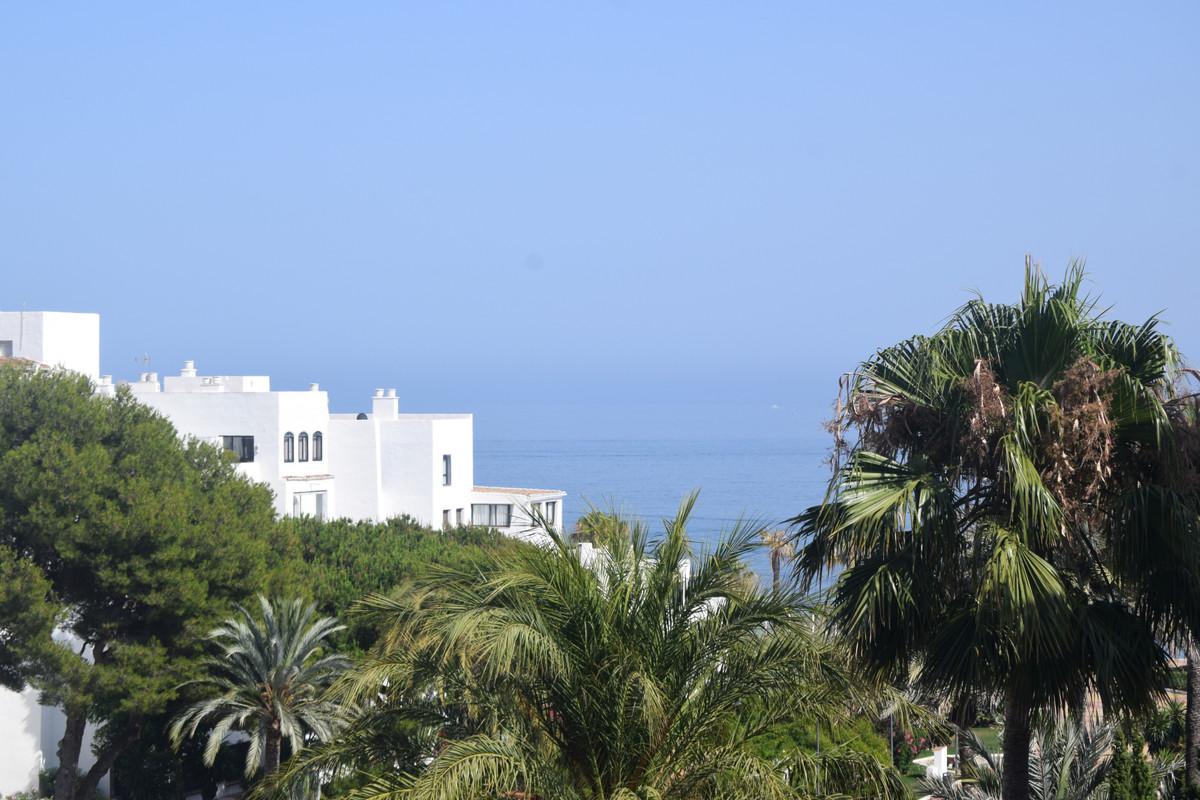 Marbella Banus Apartamento Planta Media en Venta en Puerto Banús – R3663671