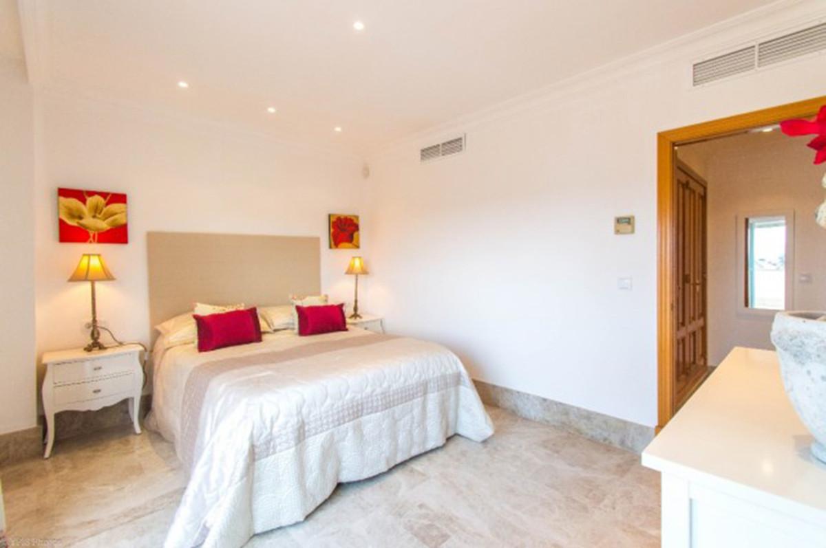 Pareado en Venta en Marbella – R3651311