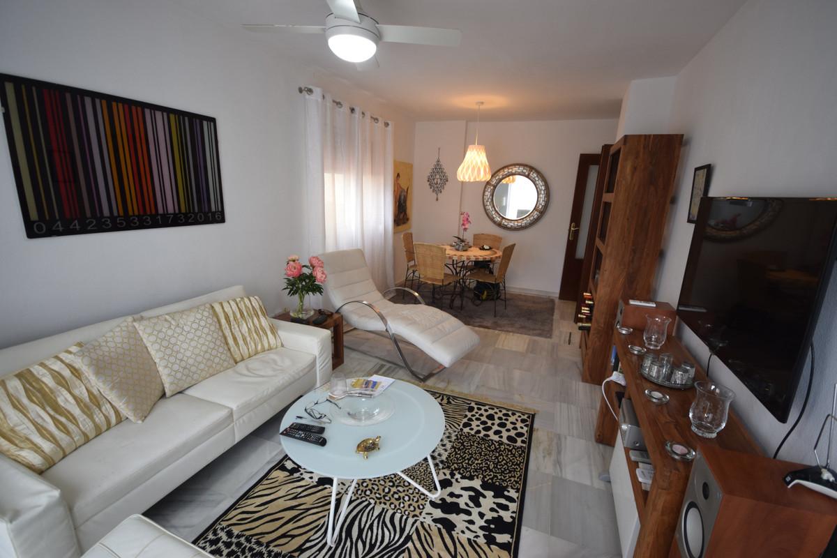 Marbella Banus Apartamento en Venta en Marbella – R3842611