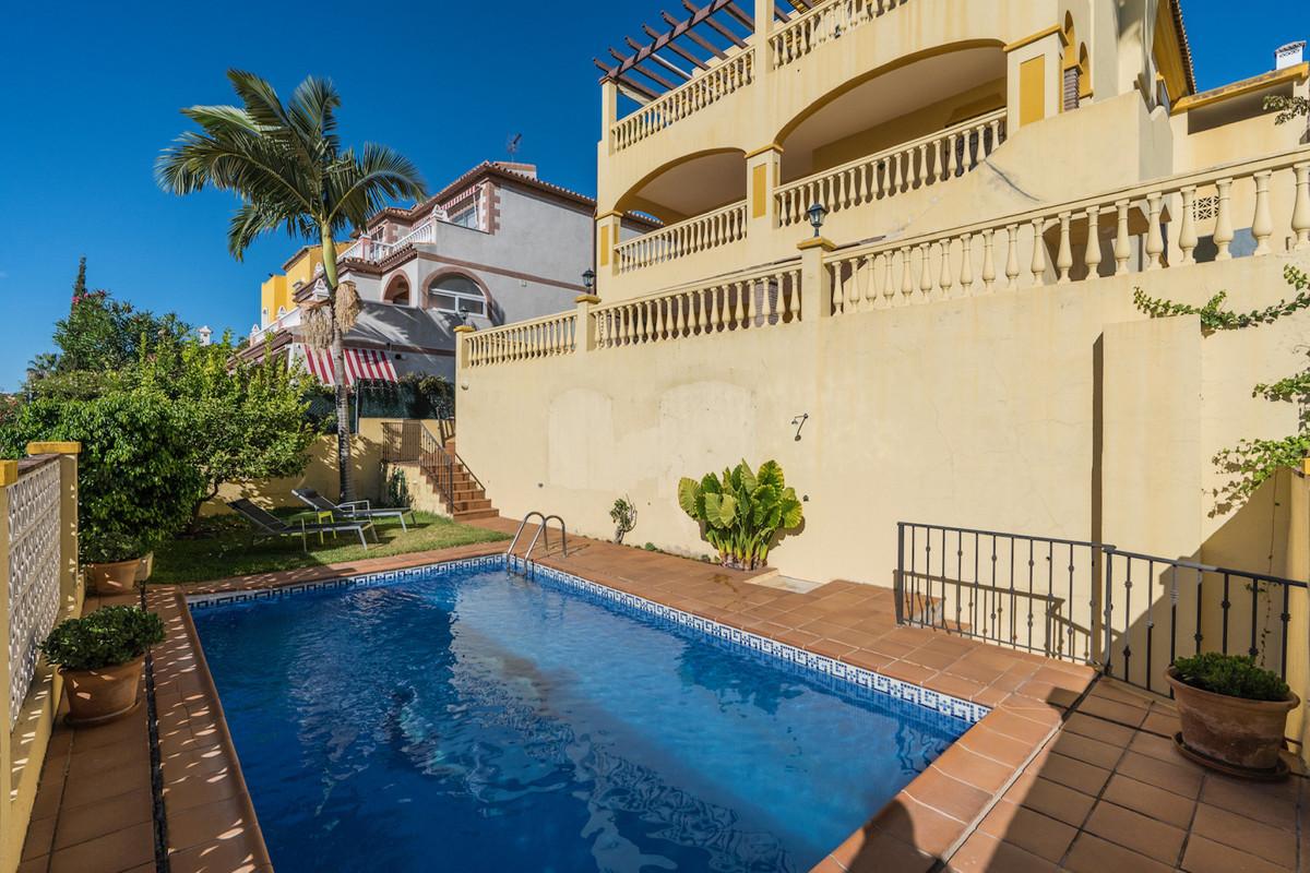Marbella Banus Villa for Sale in Marbella – R3867259