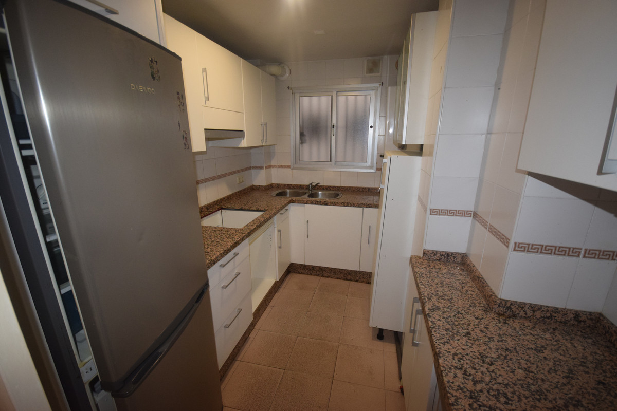 Marbella Banus Apartamento en Venta en Marbella – R3945835
