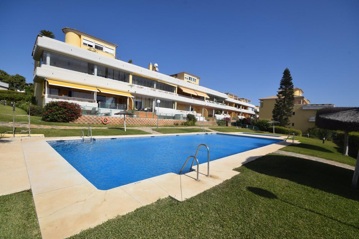 Marbella Banus Apartamento en Venta en Cabopino – R3737182