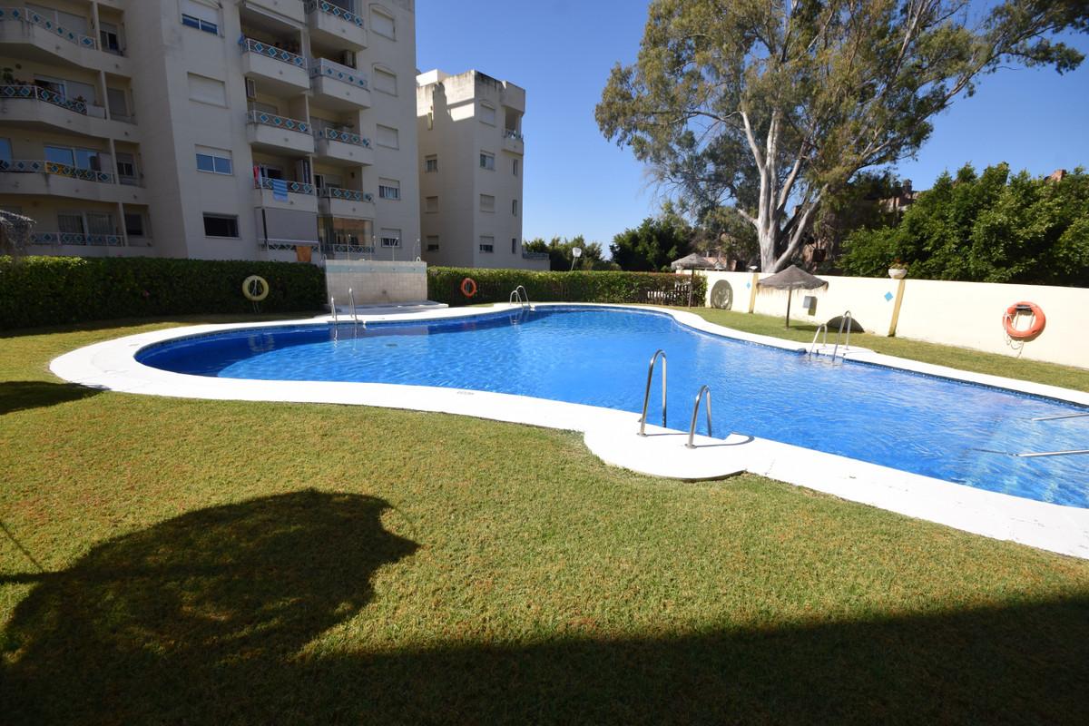 Apartamento Planta Media en Venta en Marbella – R3664013