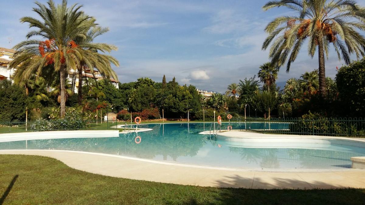 Apartamento en Alquiler Vacacional en Nueva Andalucía – R3837382