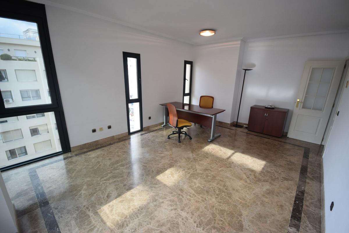 Marbella Banus Apartamento  en Alquiler en Marbella – R3766798