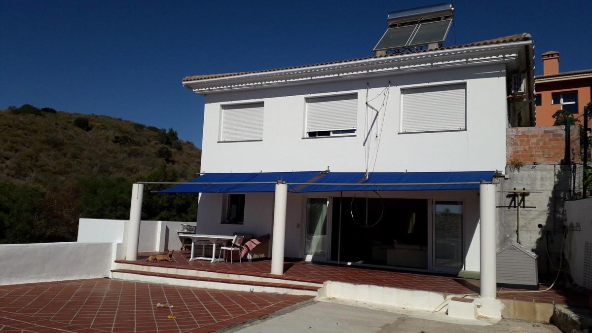 Marbella Banus Villa en Venta en Calahonda – R3877840
