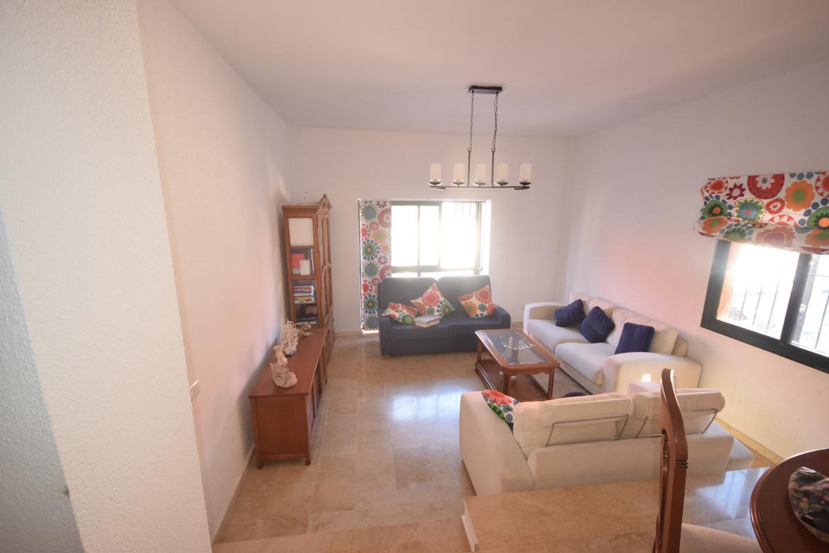 Marbella Banus Apartamento en Venta en San Pedro de Alcántara – R3792454