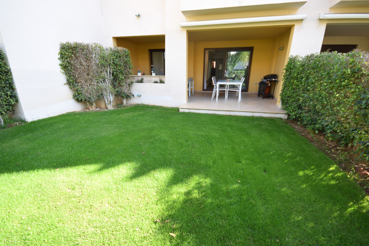 Apartment for Sale in Nueva Andalucía - R3610346
