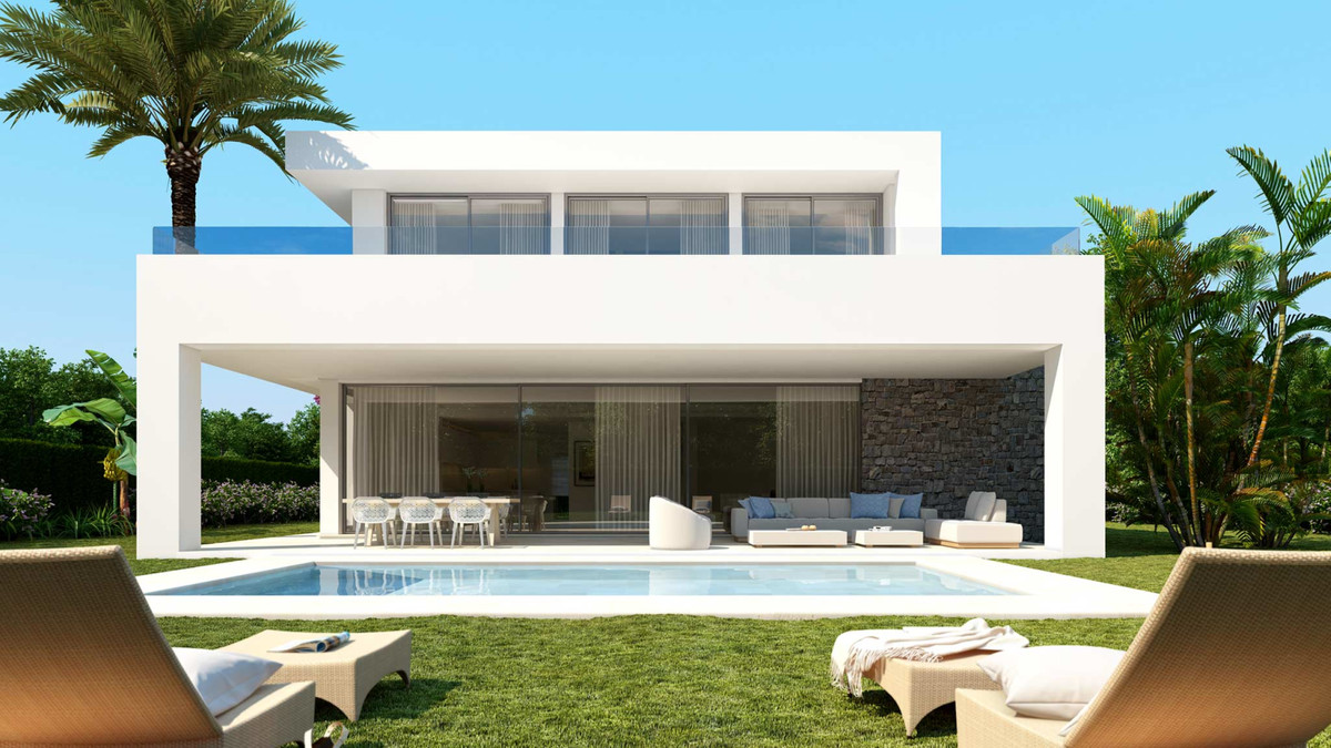 Marbella Banus Villa for Sale in Rio Real - R3738025