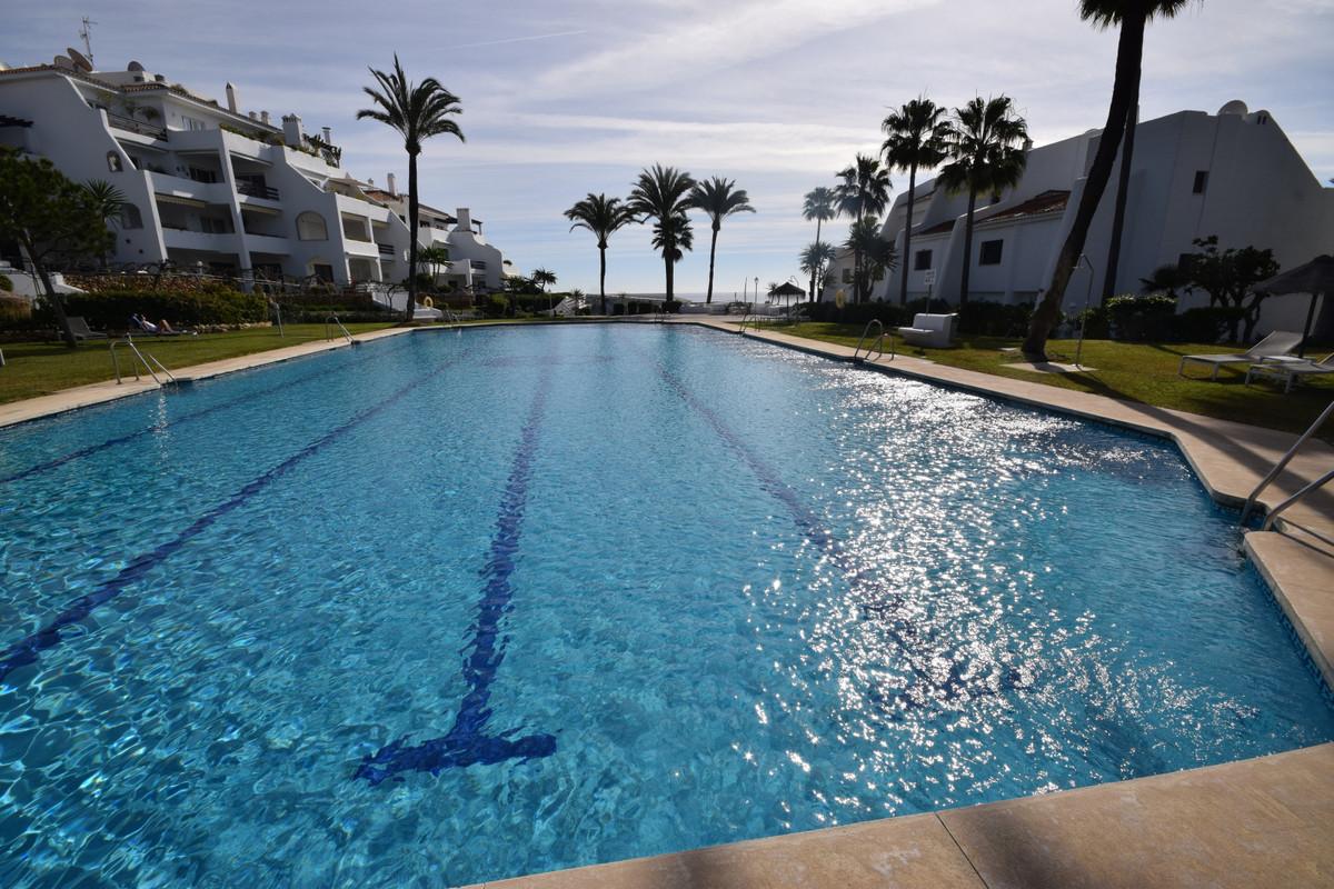 Marbella Banus Pareado en Venta en Marbella – R3890482