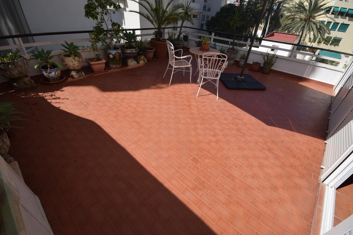 Marbella Banus Apartamento en Venta en Marbella – R3924382