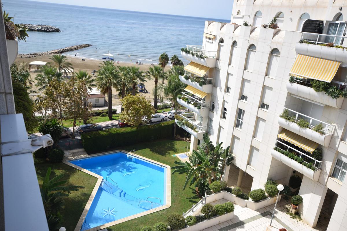 Marbella Banus Apartamento en Venta en Marbella – R3719156