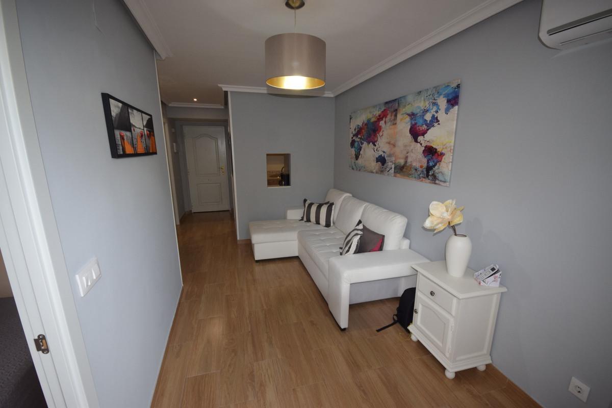 Apartamento en Venta en Elviria – R3705980
