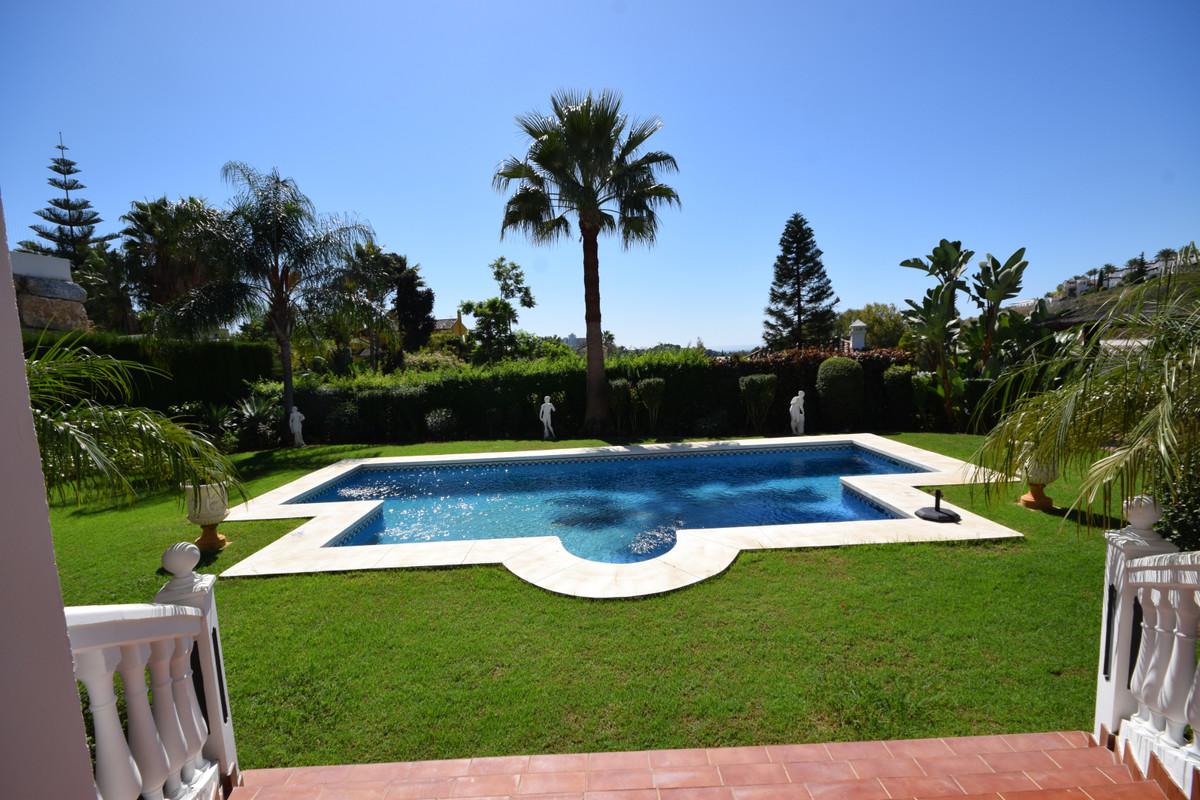 Marbella Banus Villa en Venta en Benahavís – R3592777