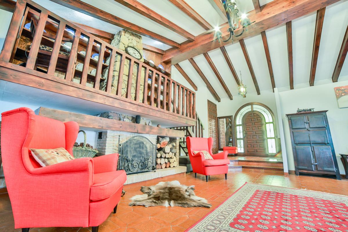 Villa en Venta en Marbella – R3560965