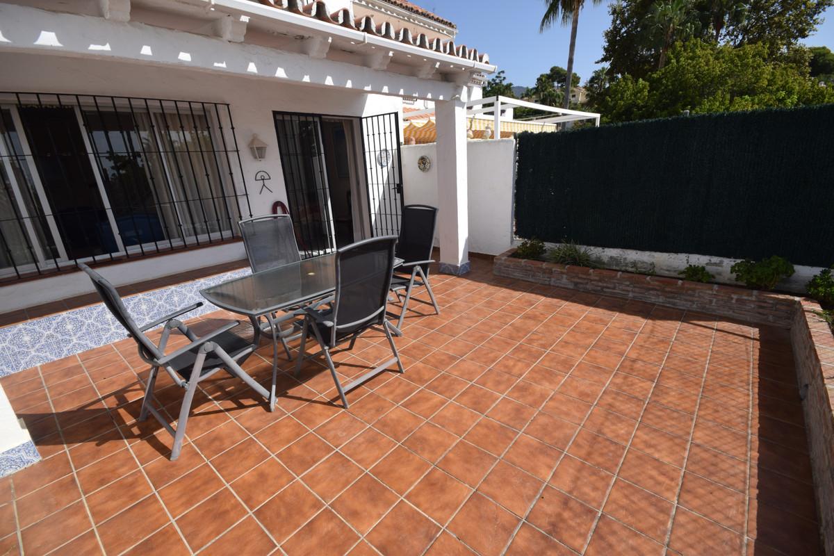 Marbella Banus Adosado en Venta en Marbella – R3689819