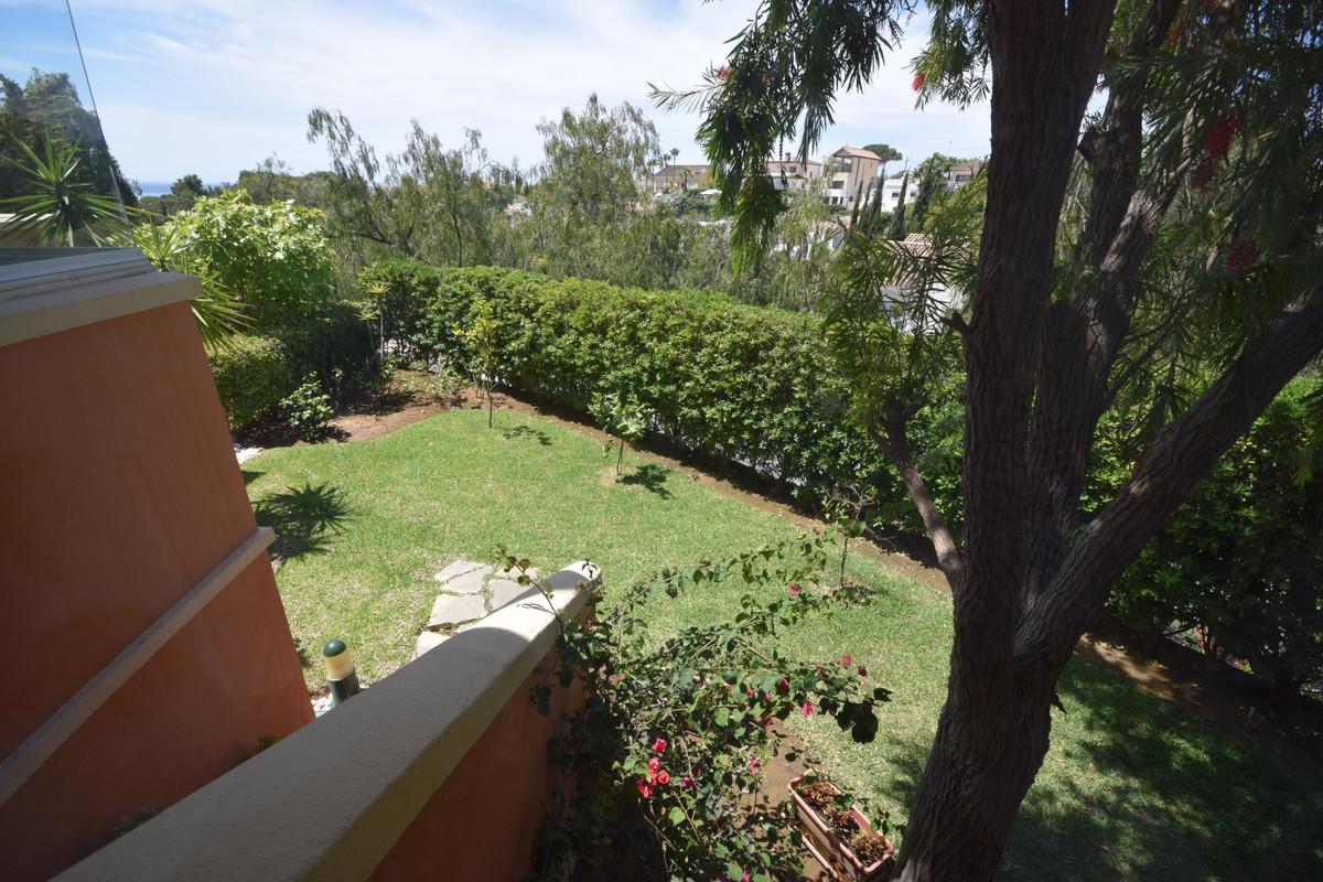 Marbella Banus Apartamento en Venta en Nueva Andalucía – R3875977