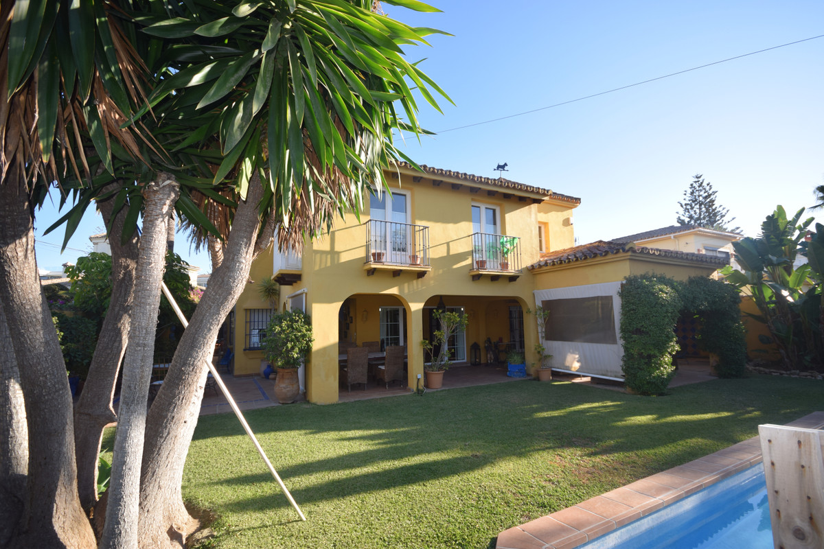 Marbella Banus Villa en Venta en Marbesa – R3734560