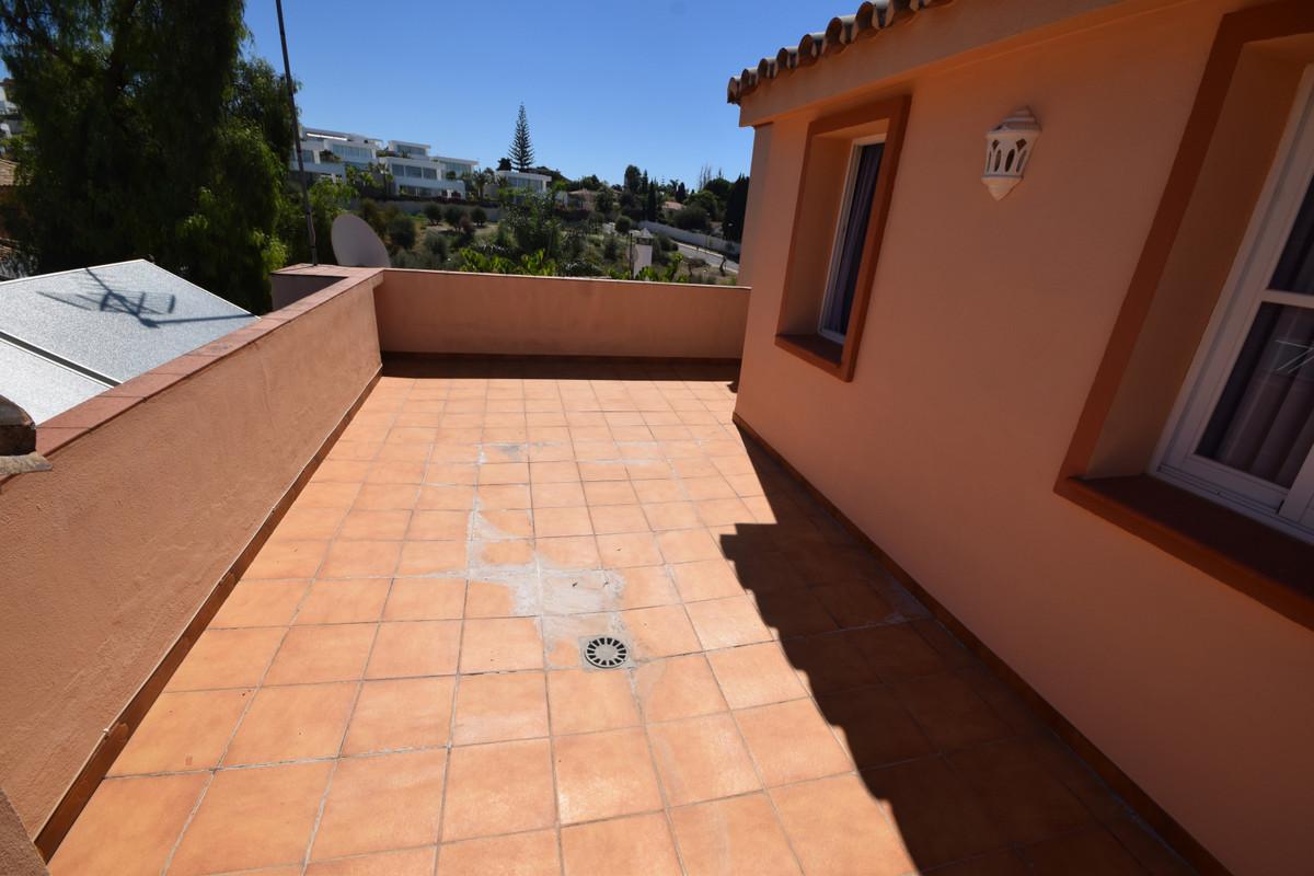Villa en Venta en Marbella – R3688205