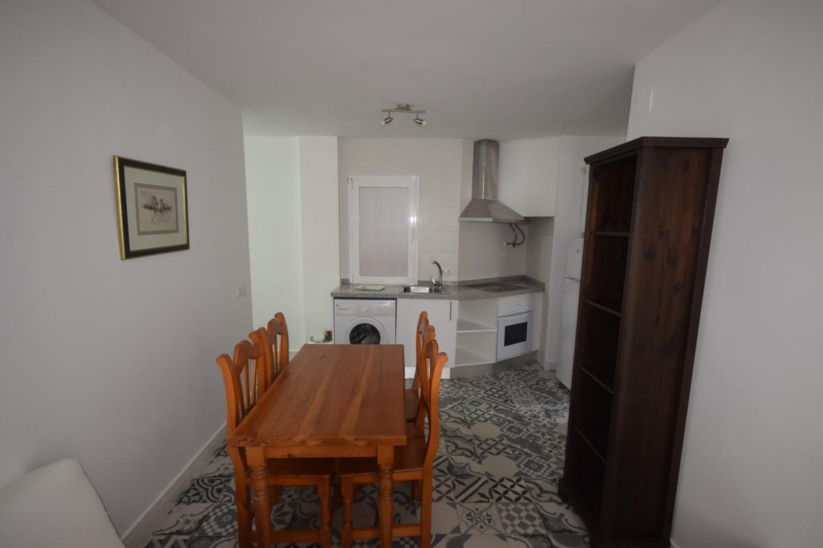Marbella Banus Apartamento Planta Media en Alquiler en Marbella – R3711851