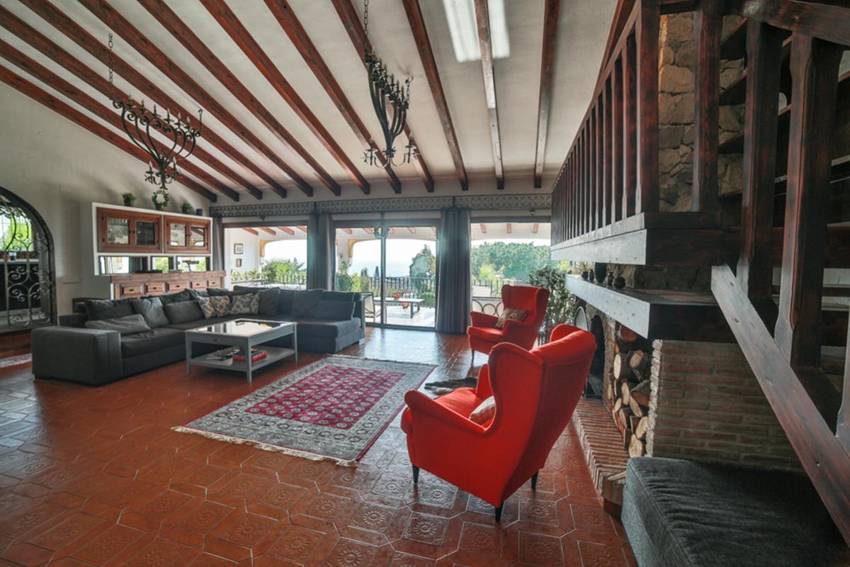 Villa en Venta en Marbella – R3569959