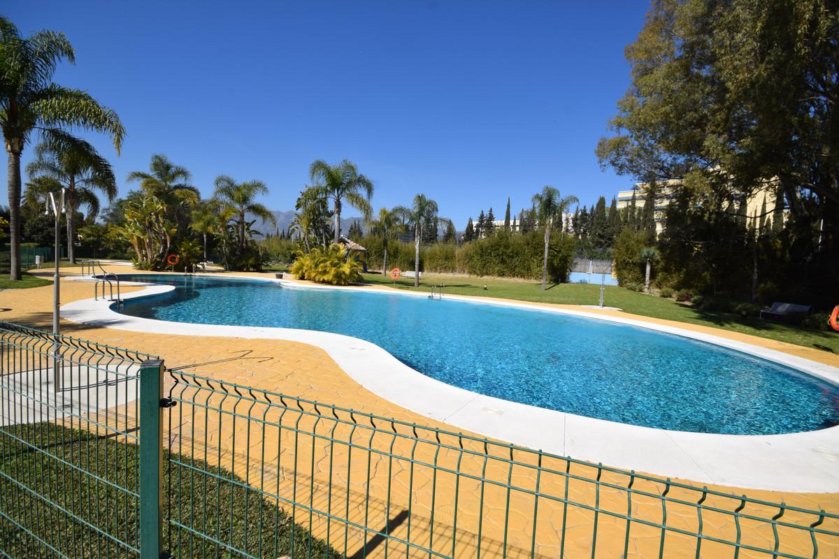 Marbella Banus Apartamento en Venta en Marbella – R3609752