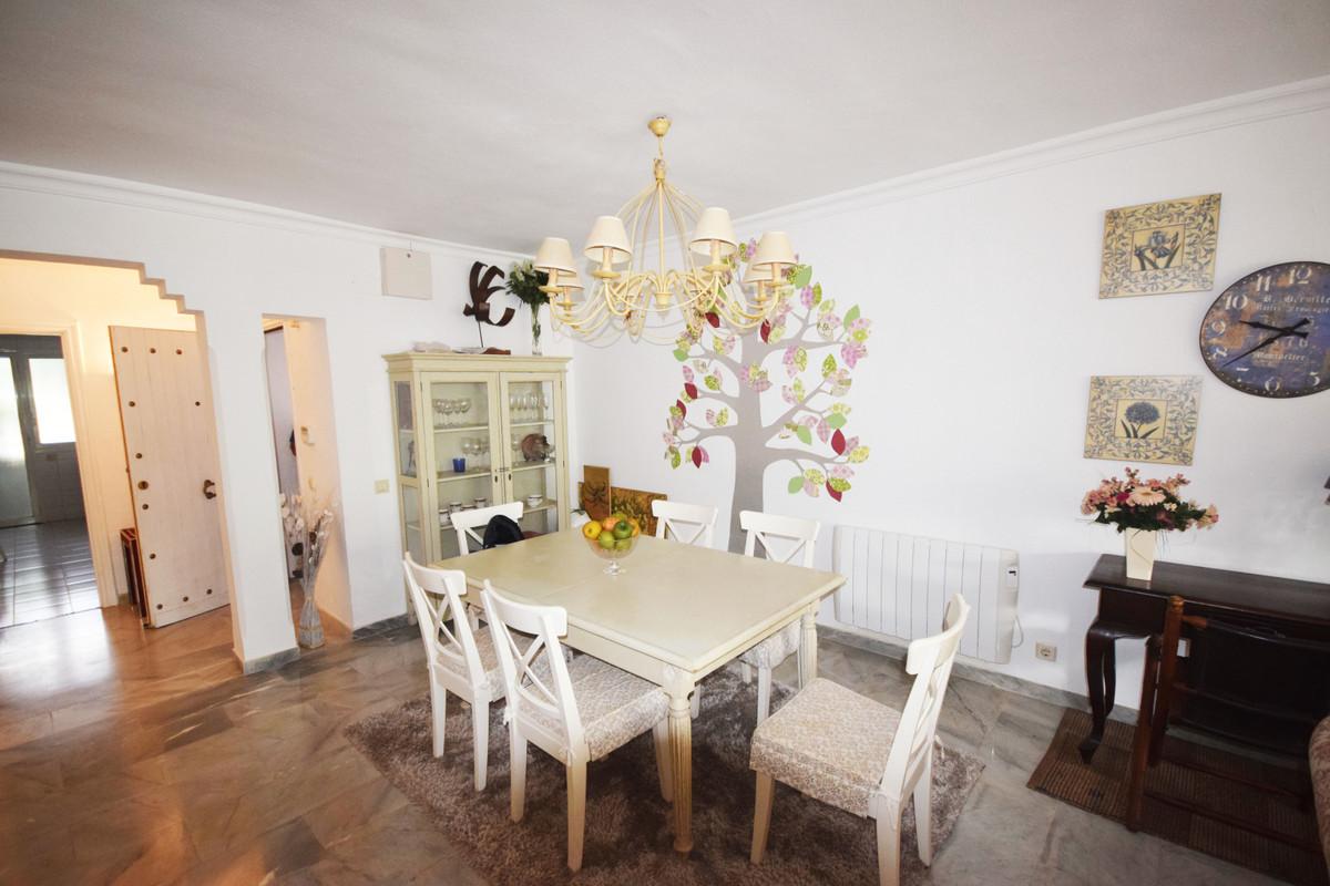 Apartamento en Venta en New Golden Mile – R3805882