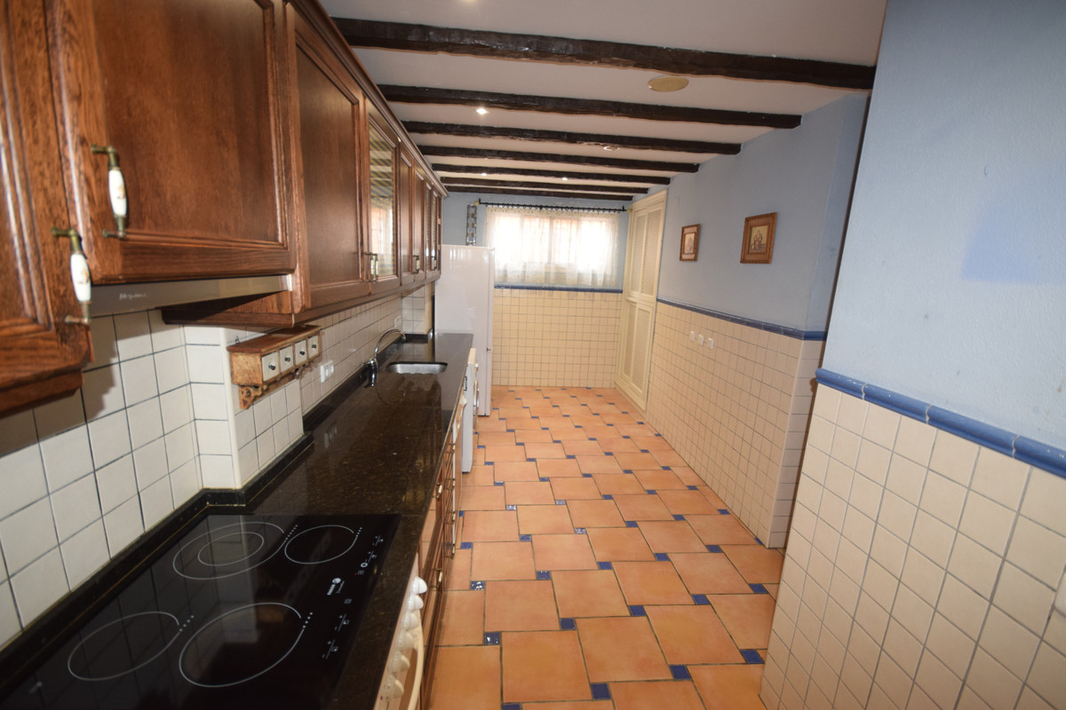 Townhouse for Sale in Marbella – R3759898