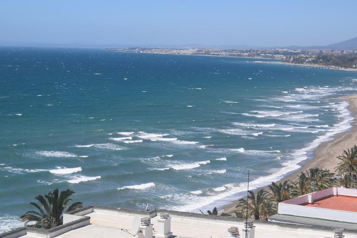Apartment for Sale in Marbella – R3651770