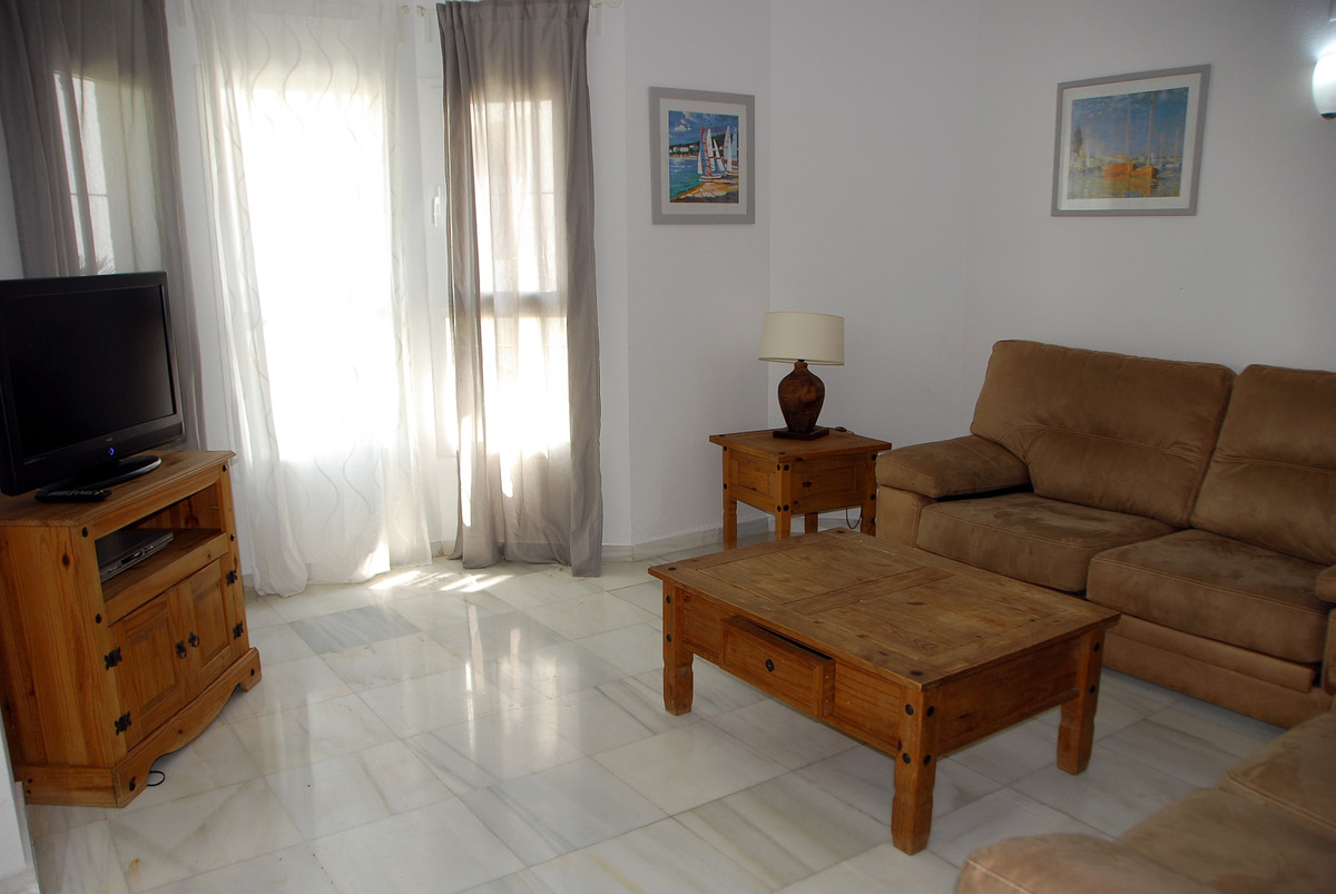 Apartamento  en Alquiler en Nueva Andalucía – R3616358