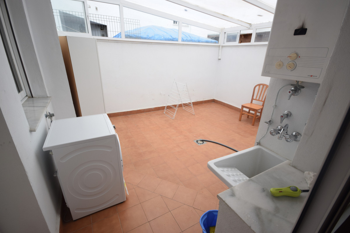 Apartamento Planta Media  en alquiler en  Marbella, Costa del Sol – R3510139