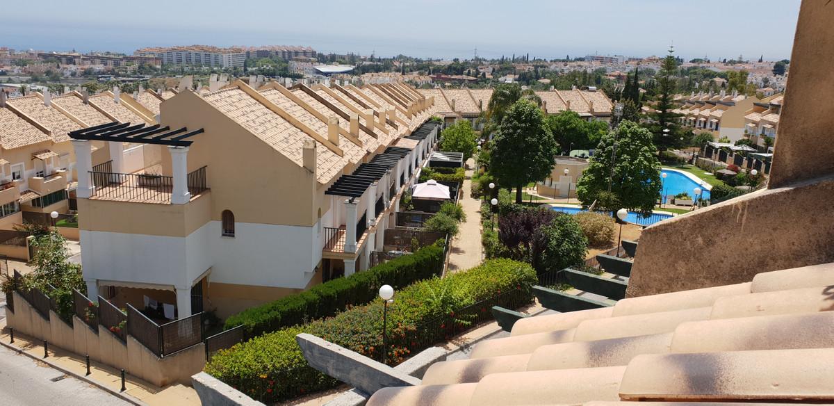 Pareada  en venta en  Marbella, Costa del Sol – R3465379