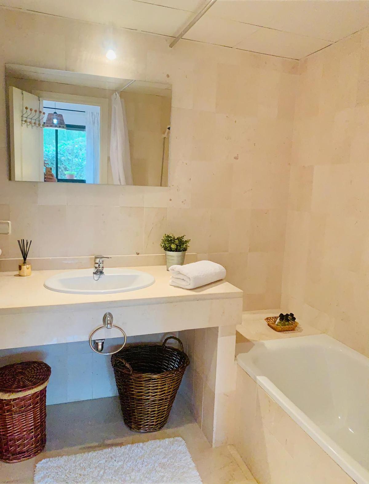 Apartamento en Venta en New Golden Mile – R3765778