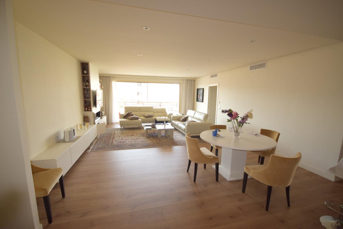 Marbella Banus Apartamento en Venta en Marbella – R3895801