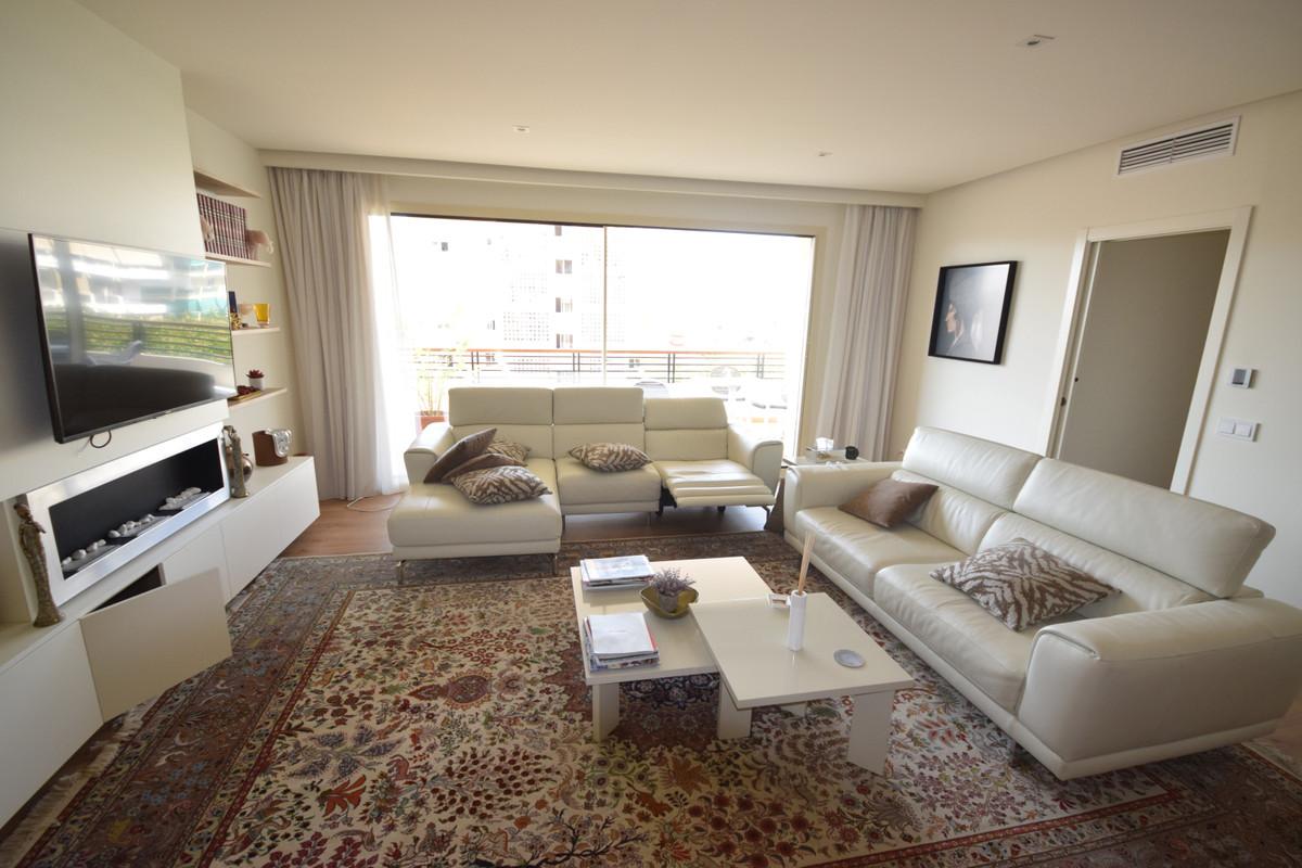 Apartamento en Venta en Marbella – R3895801