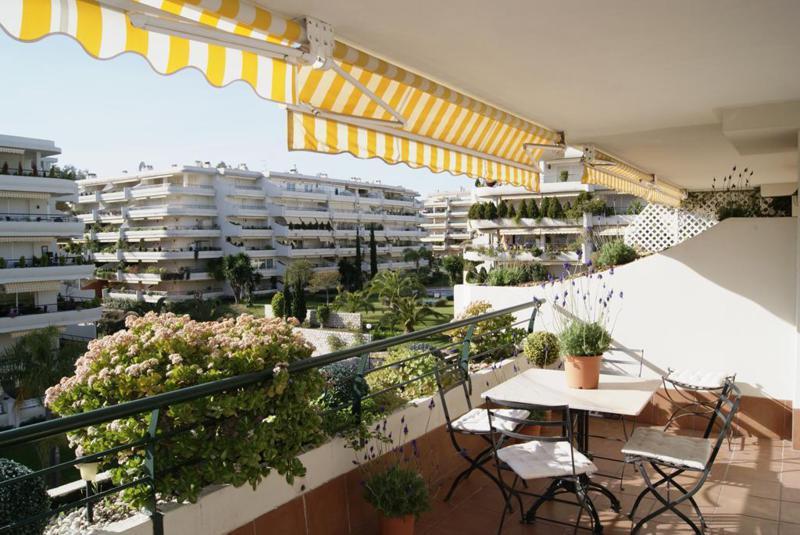 Apartamento en Alquiler Vacacional en Guadalmina Alta – R2155073