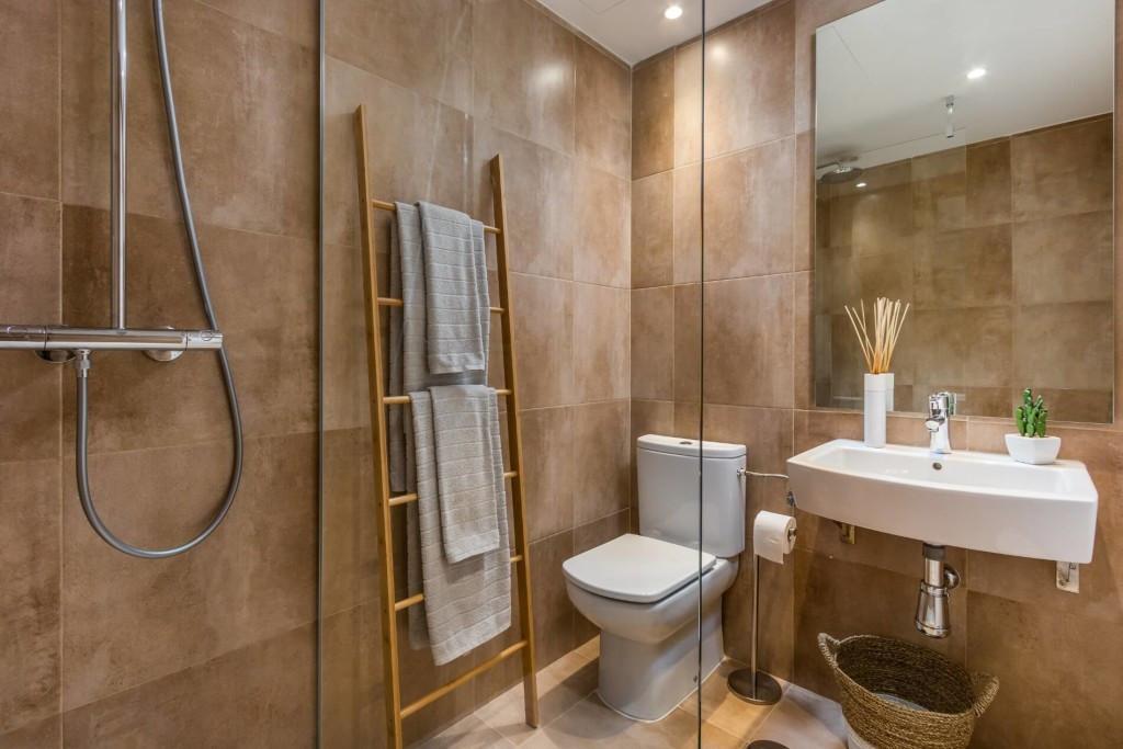 Apartamento Planta Media  en venta en  New Golden Mile, Costa del Sol – R3248920