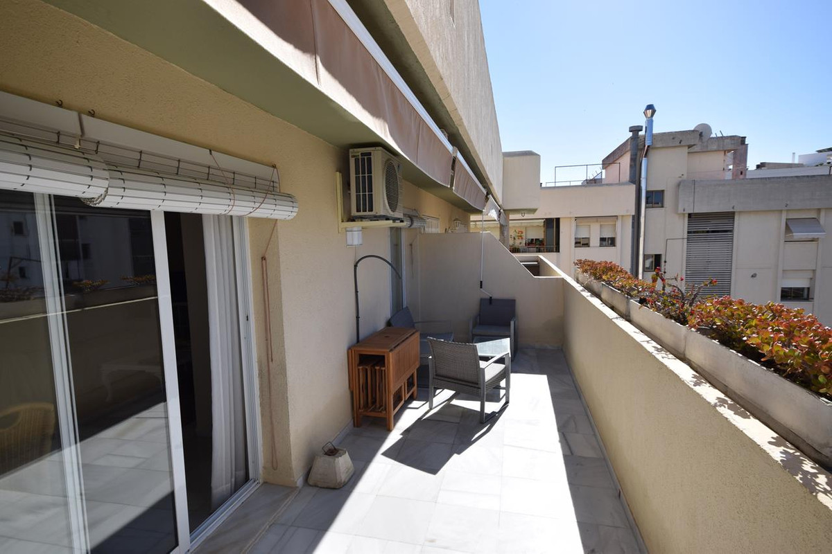 Apartment for Holiday Rental in Marbella – R3194398