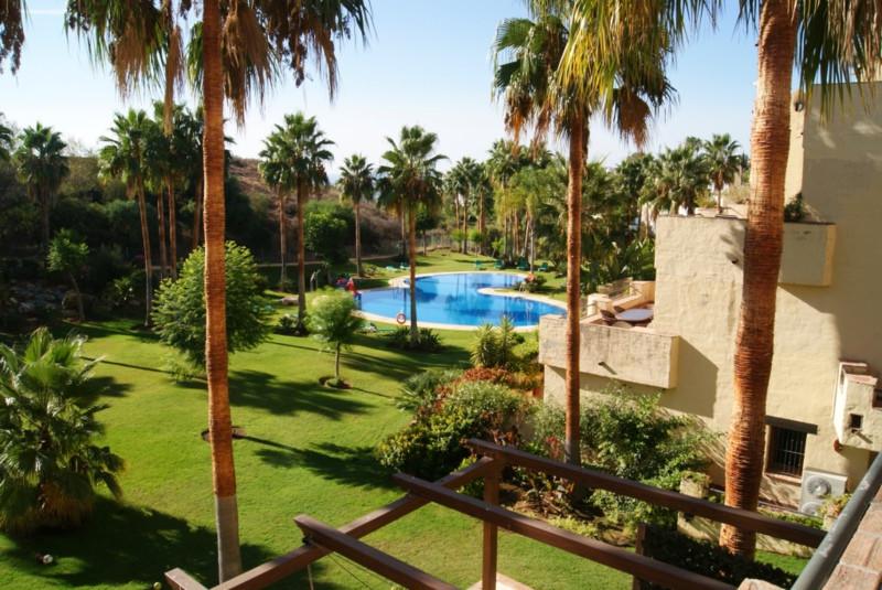 Marbella Banus Apartamento Planta Media en Venta en Marbella – R2278406