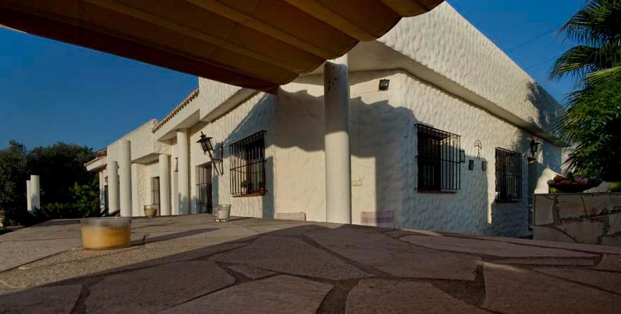 Villa - Chalet  en venta en  Fuengirola, Costa del Sol – R756763