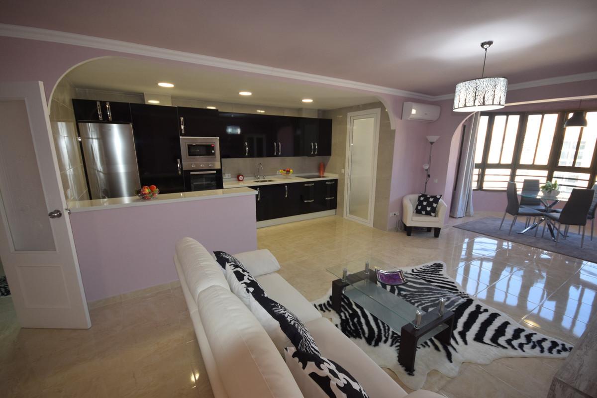 Marbella Banus Apartamento en Venta en Marbella – R3849706