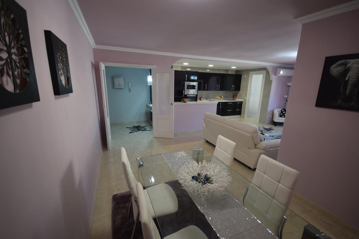 Apartamento en Venta en Marbella – R3849706