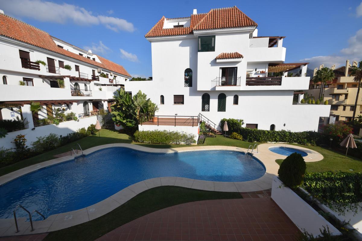 Marbella Banus Apartamento en Venta en Marbella – R3832873