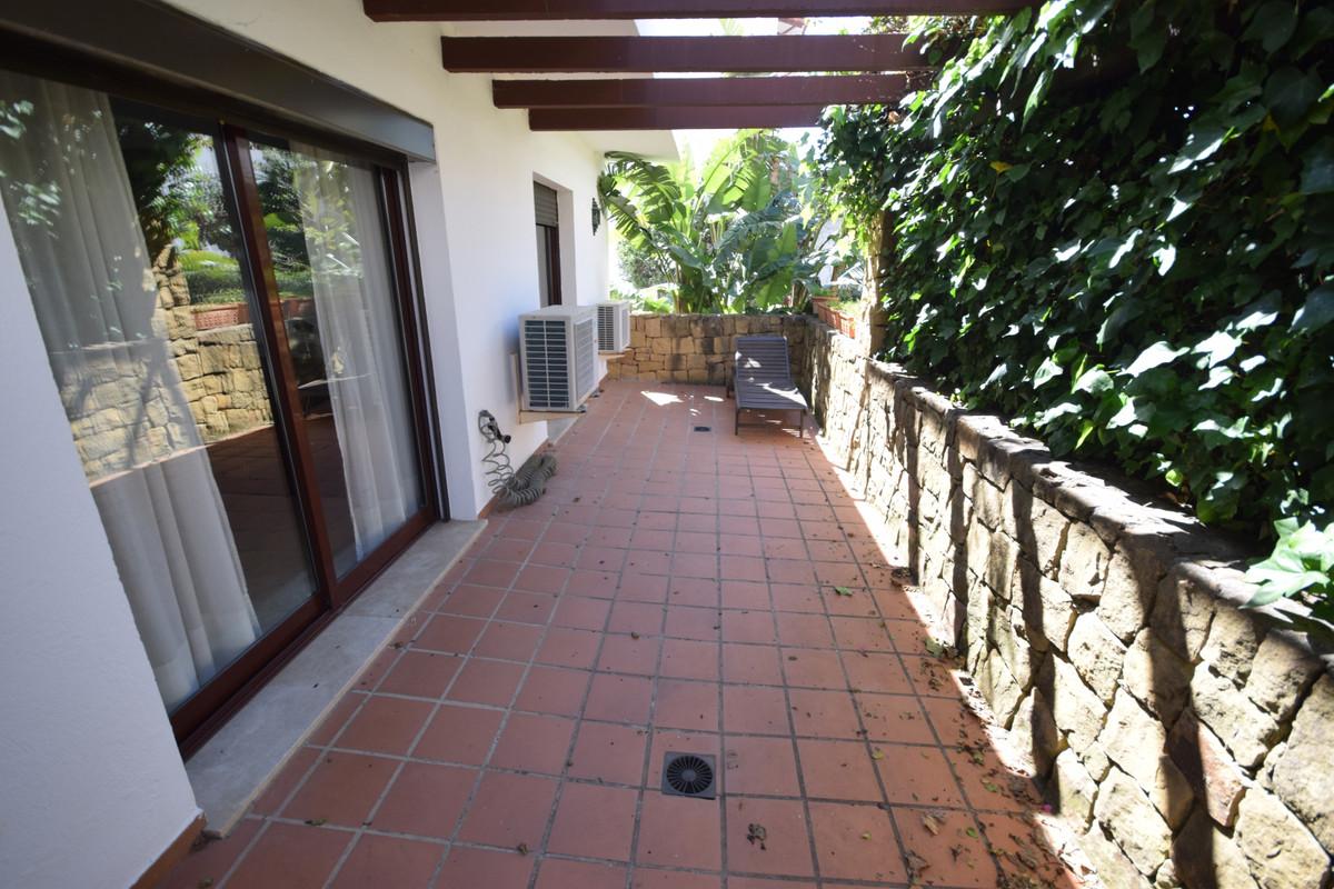 Apartamento en Venta en Marbella – R3832873